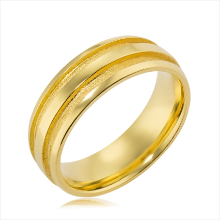 Aliança folheada a ouro abaulada anatômica de 7 mm lisa